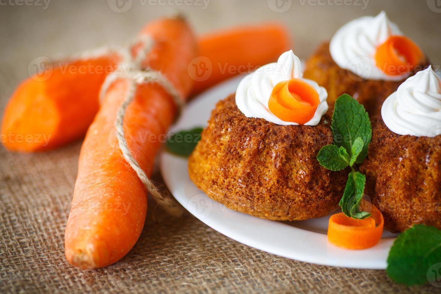 magdalenas de zanahoria foto