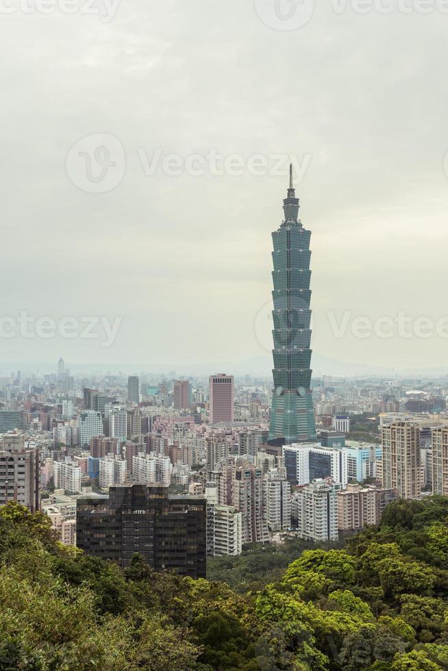 cityscape of taipei photo