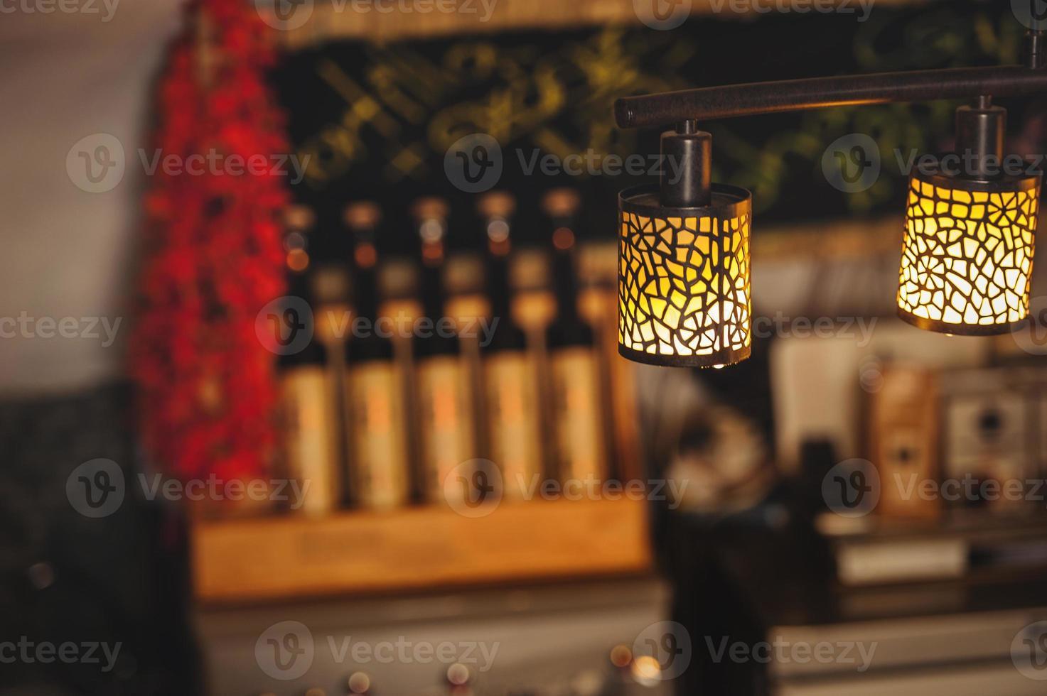 lámpara en el hermoso interior del restaurante foto