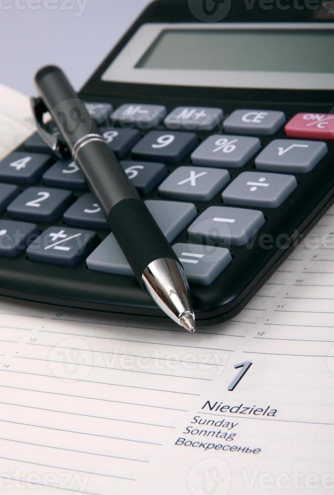Business calculation photo