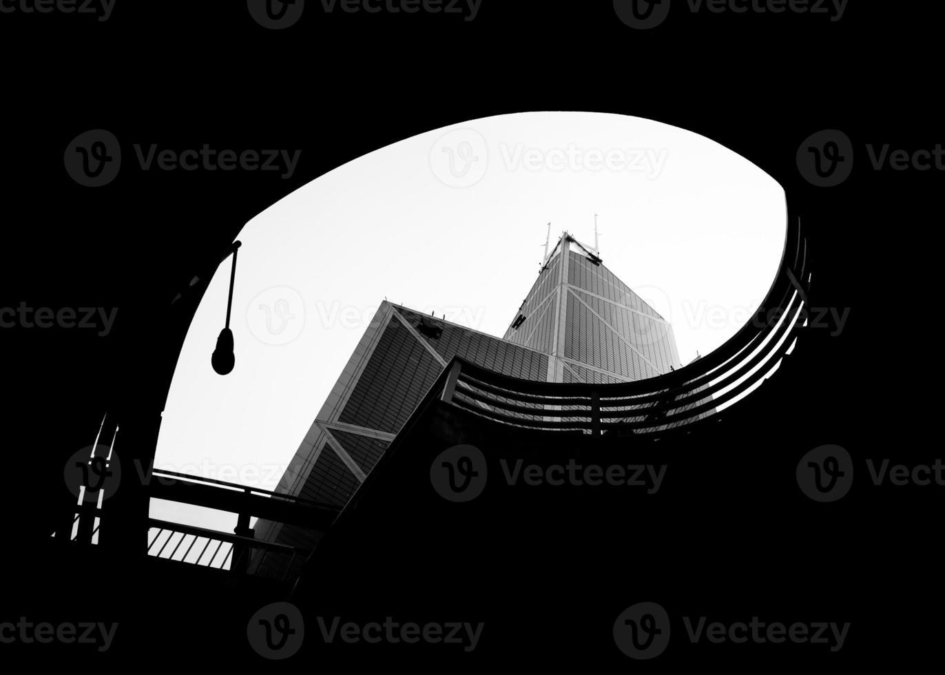 arquitectura de la ciudad en blanco y negro foto