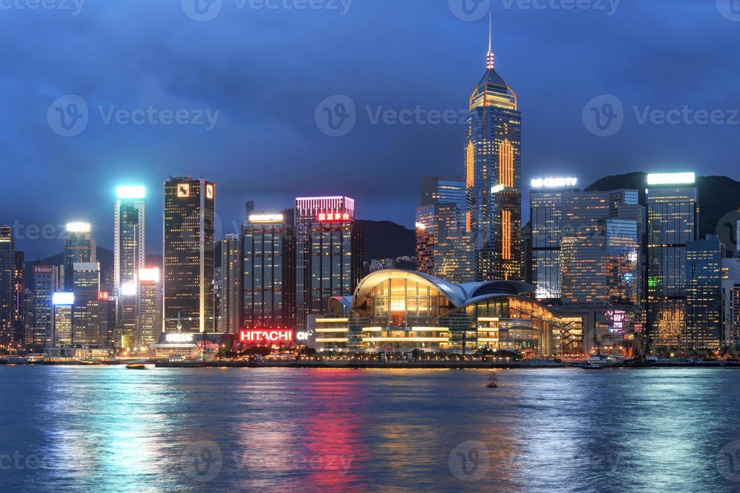 isla de hong kong desde kowloon al atardecer foto
