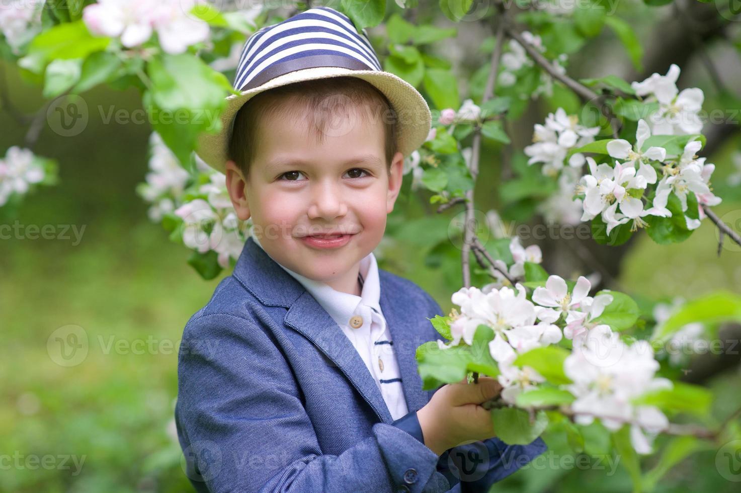 niño adorable foto