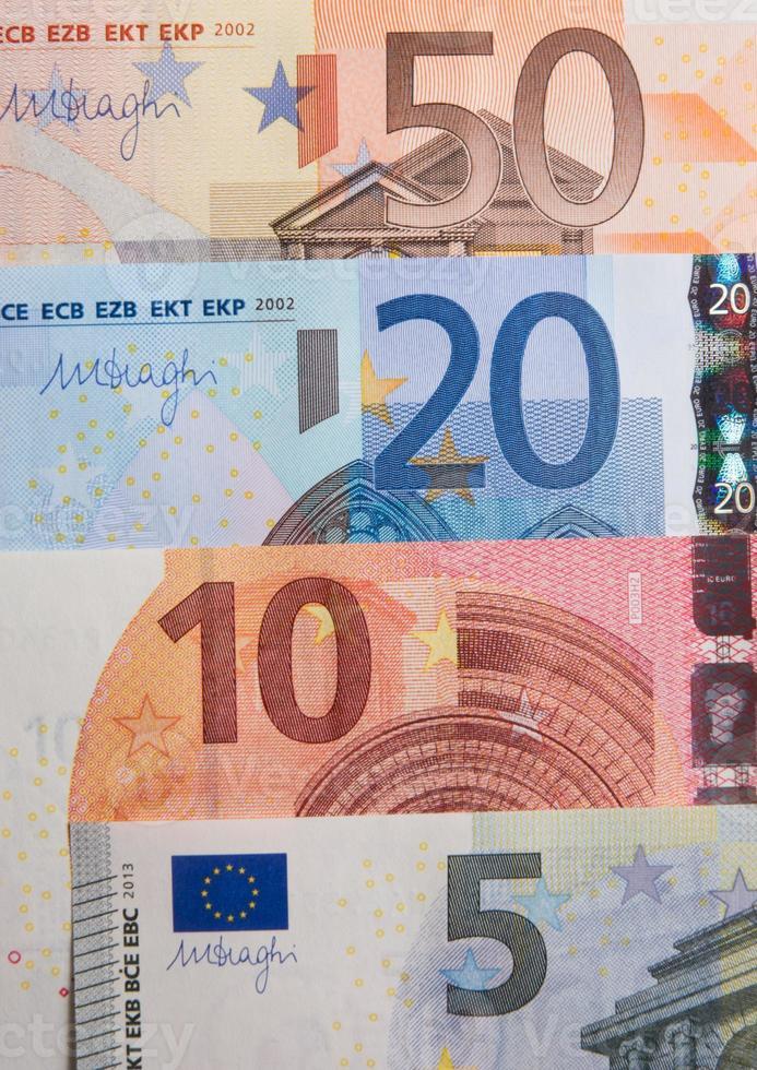 Billetes de 5, 10, 20 y 50 euros foto