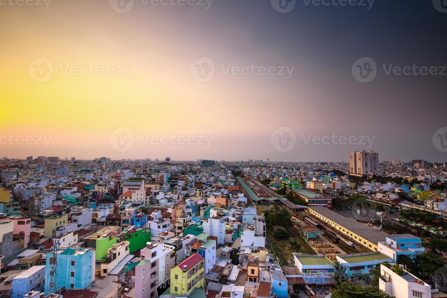Vista aérea de una hermosa tarde de Saigón foto