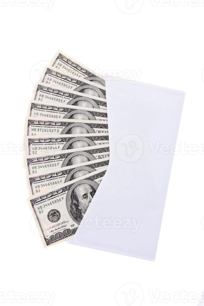 notas de dólar em um envelope foto