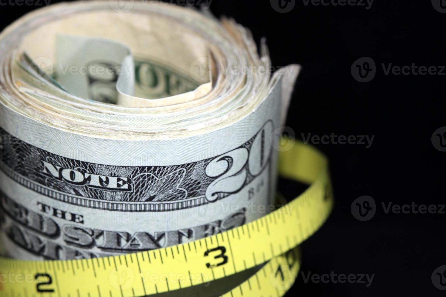reducir el presupuesto y aumentar los ahorros foto