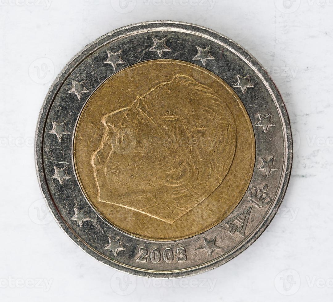 Moneda de euro con aspecto usado en el reverso de Bélgica foto