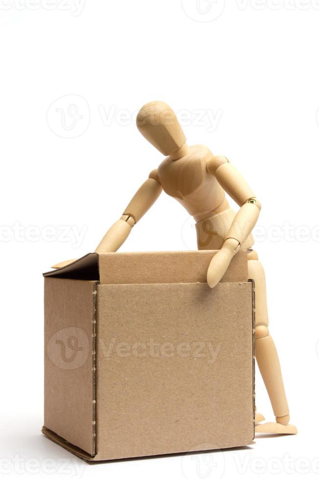 maniquí con paquete foto