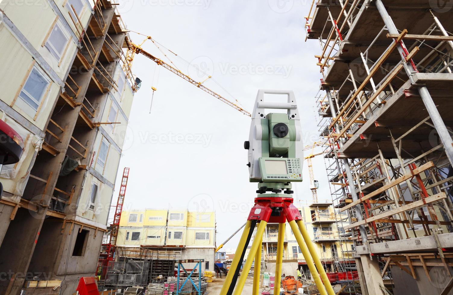 surveying measuring instrument and construction photo