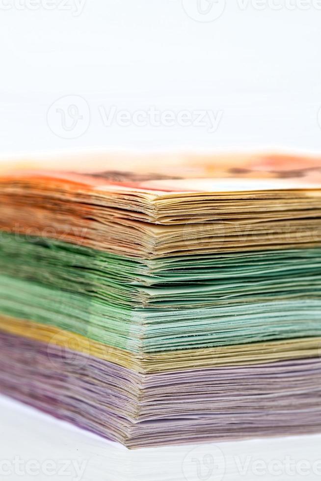 muitas notas de euro diferentes foto