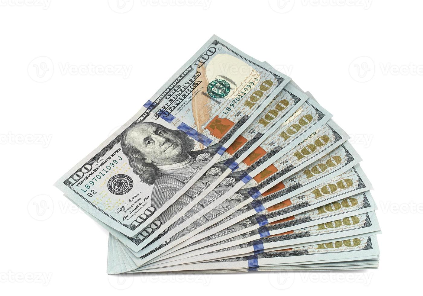 pila de billetes nuevos de 100 dólares foto
