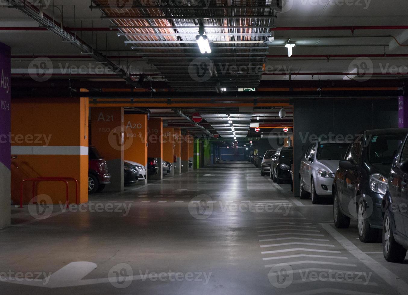 Garaje de Estacionamiento foto