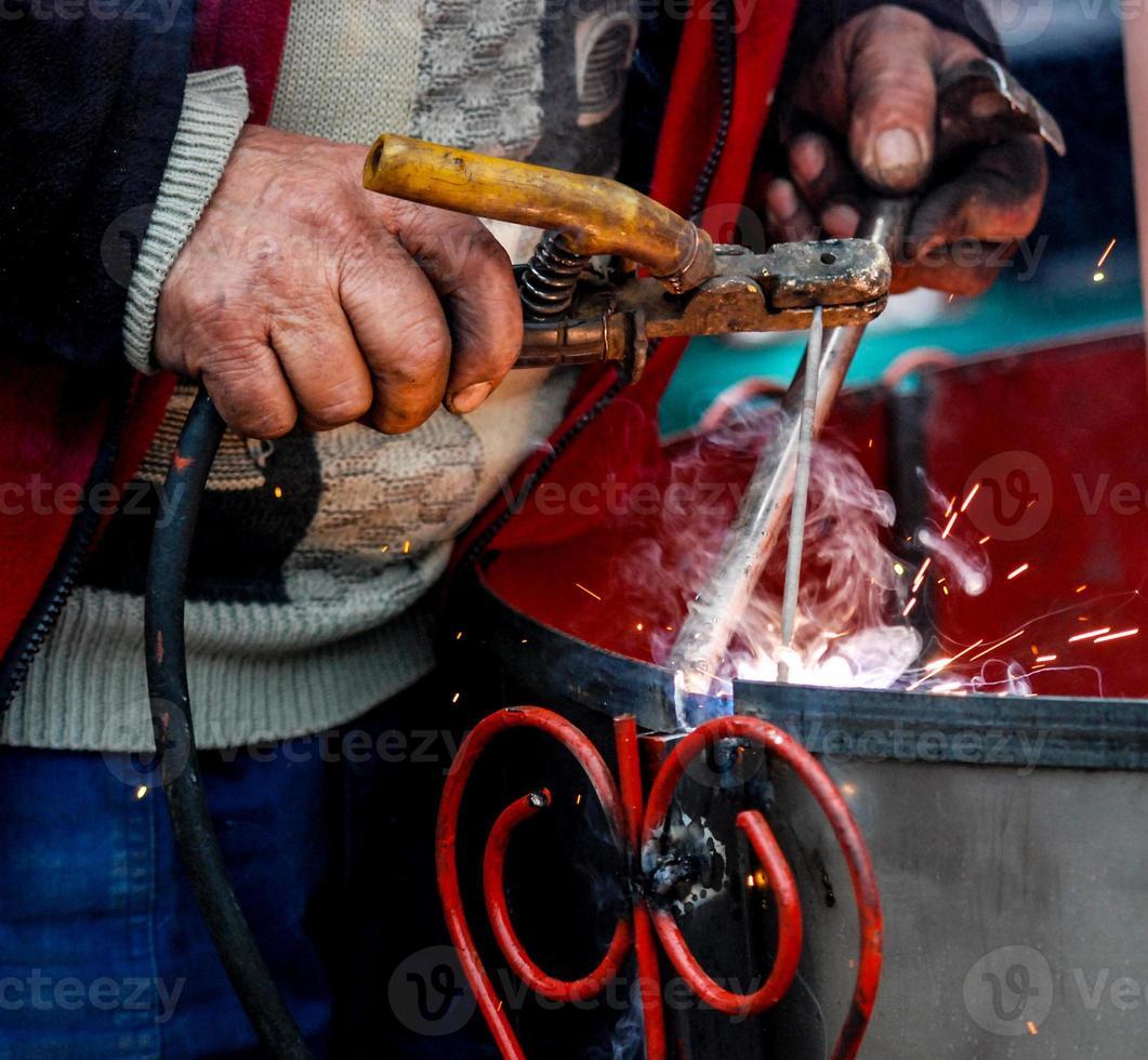 Welder at work, welding photo