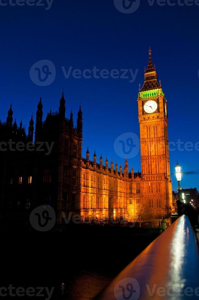 Big Ben en Londres en la noche foto