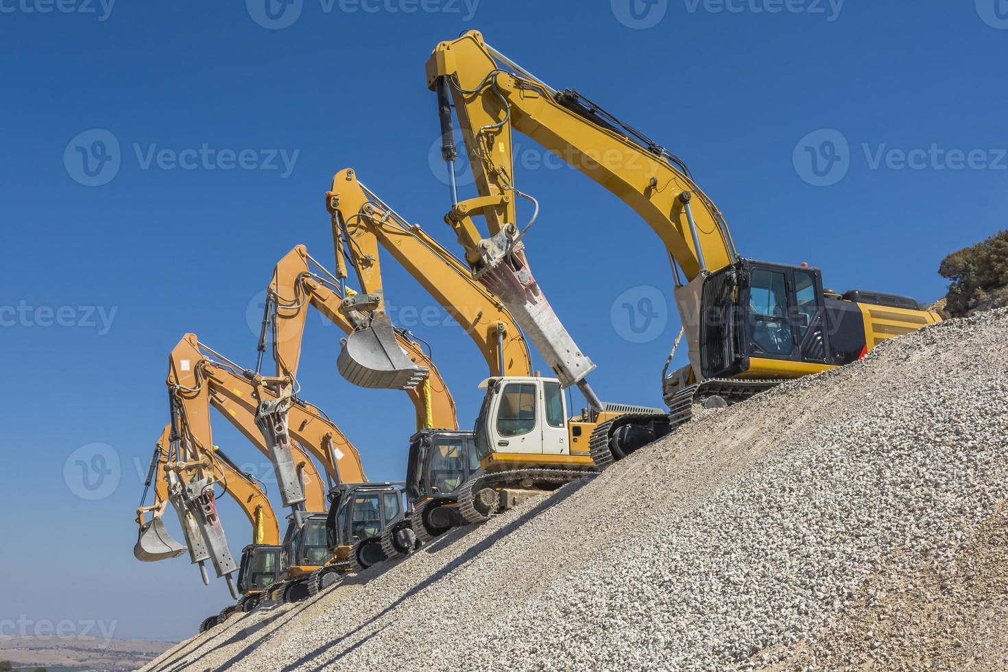 espectacular grupo de excavadoras foto