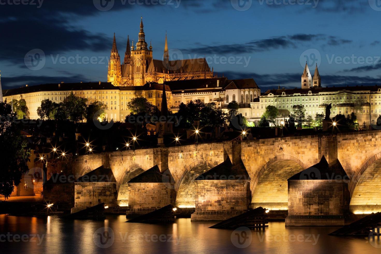 Puente de Carlos en Praga, República Checa foto