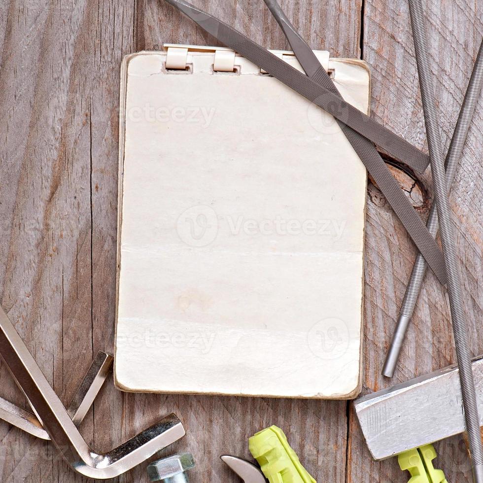 herramientas de papel y metalistería foto