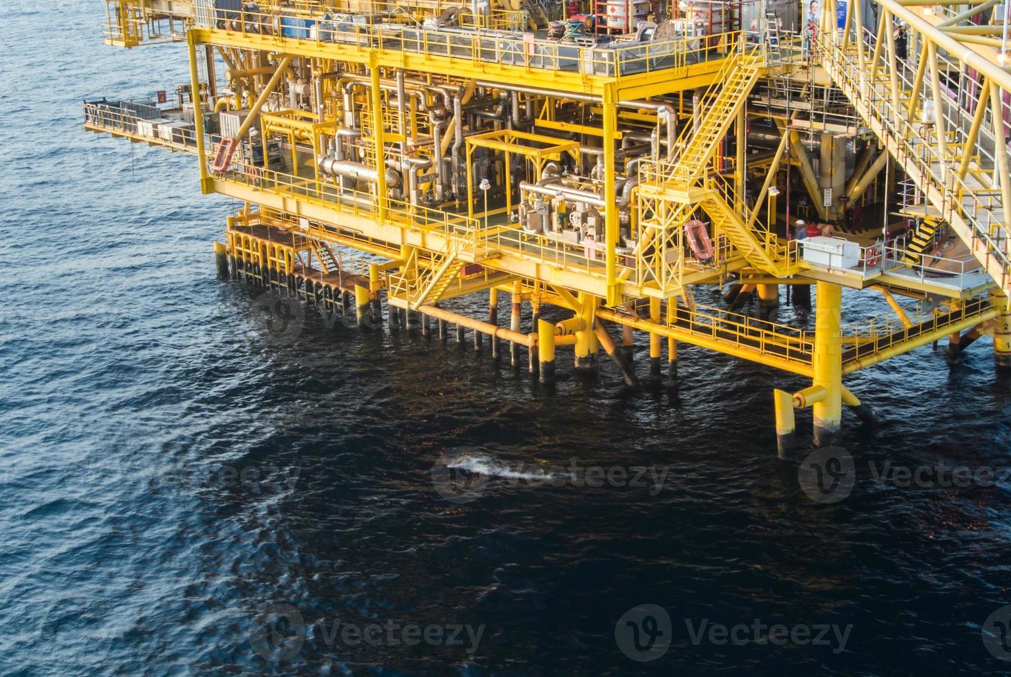 plataforma petrolera foto