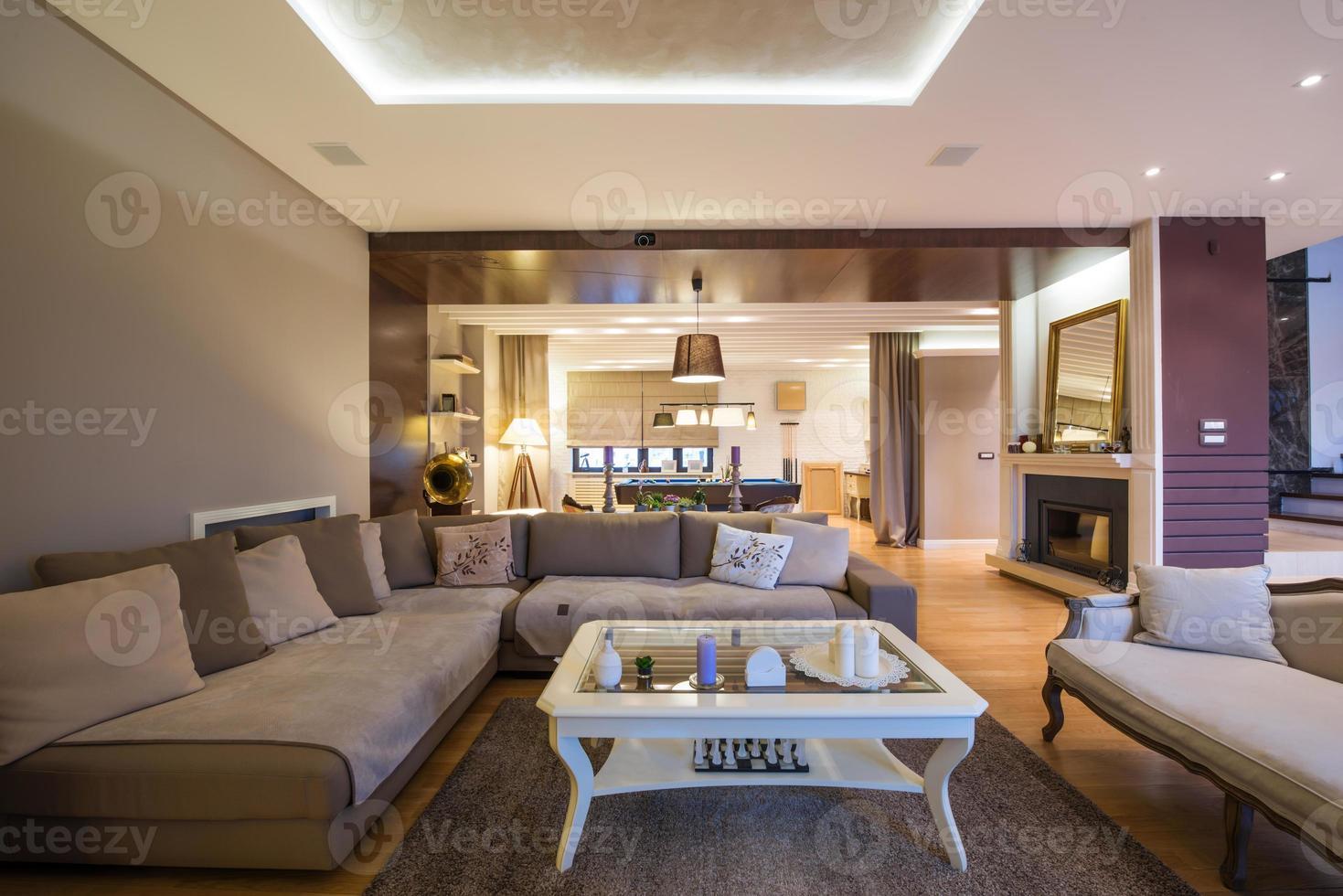 interior de una sala de estar de lujo foto