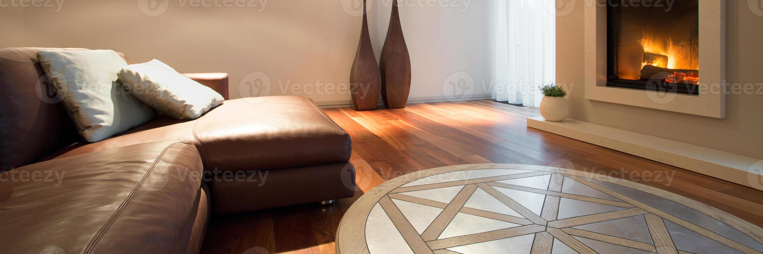 sofá de cuero interior acogedor foto