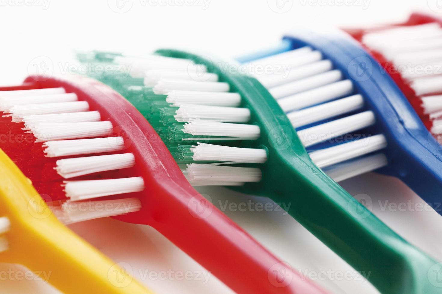 variedad de cepillos de dientes foto