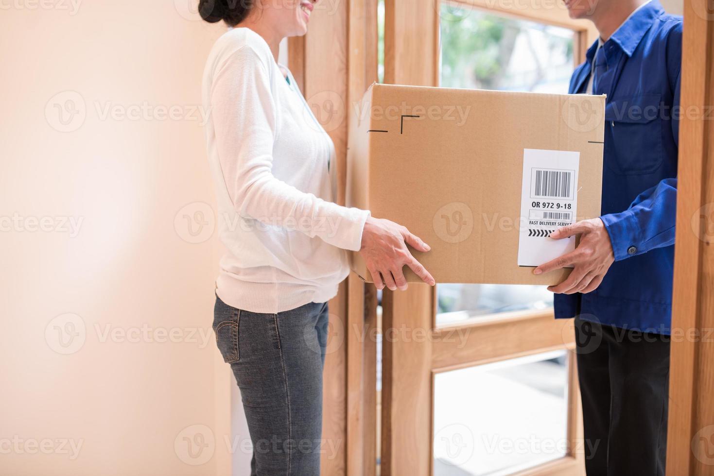 Receiving large parcel photo