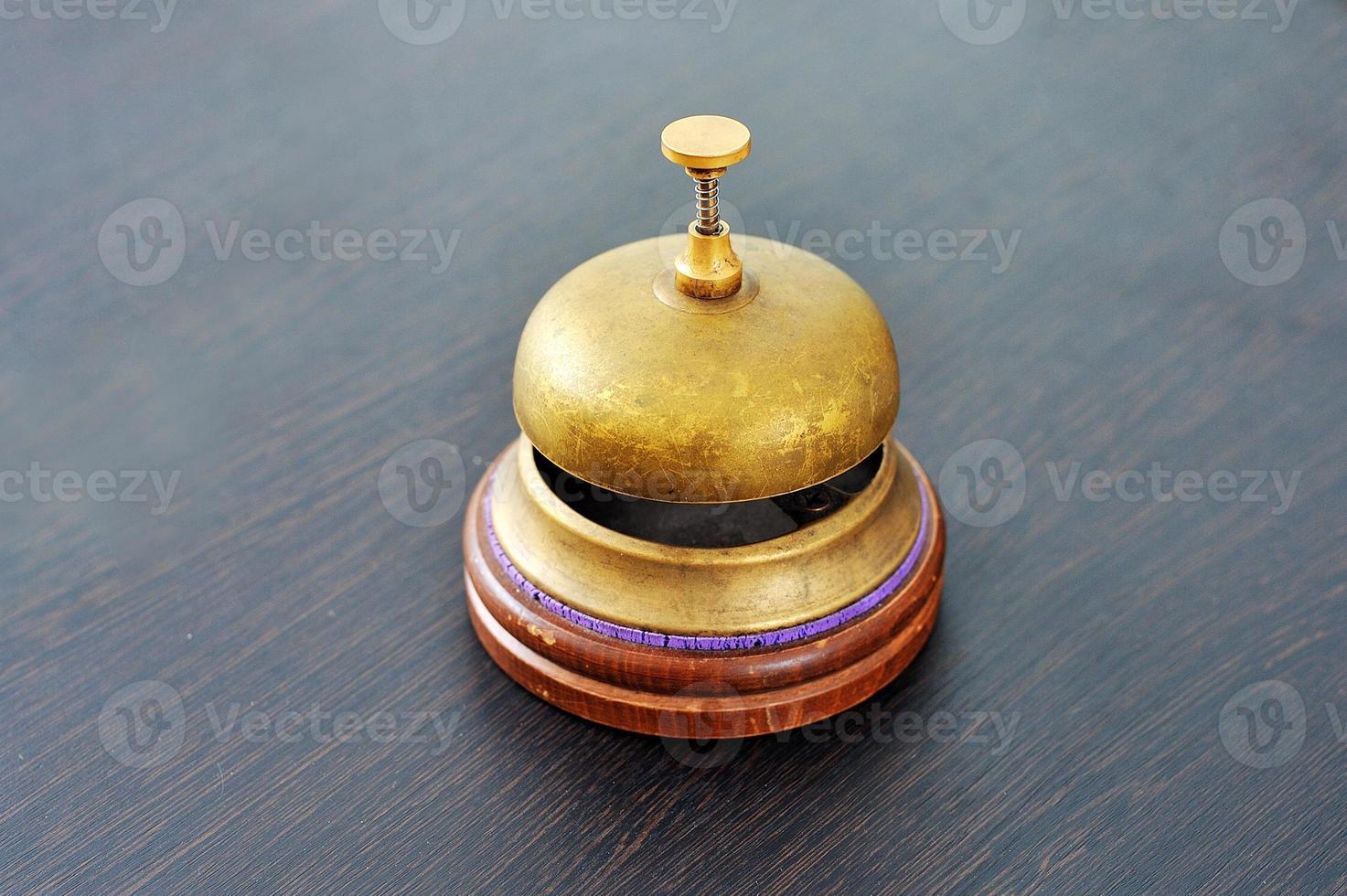 campana elegante y antigua foto