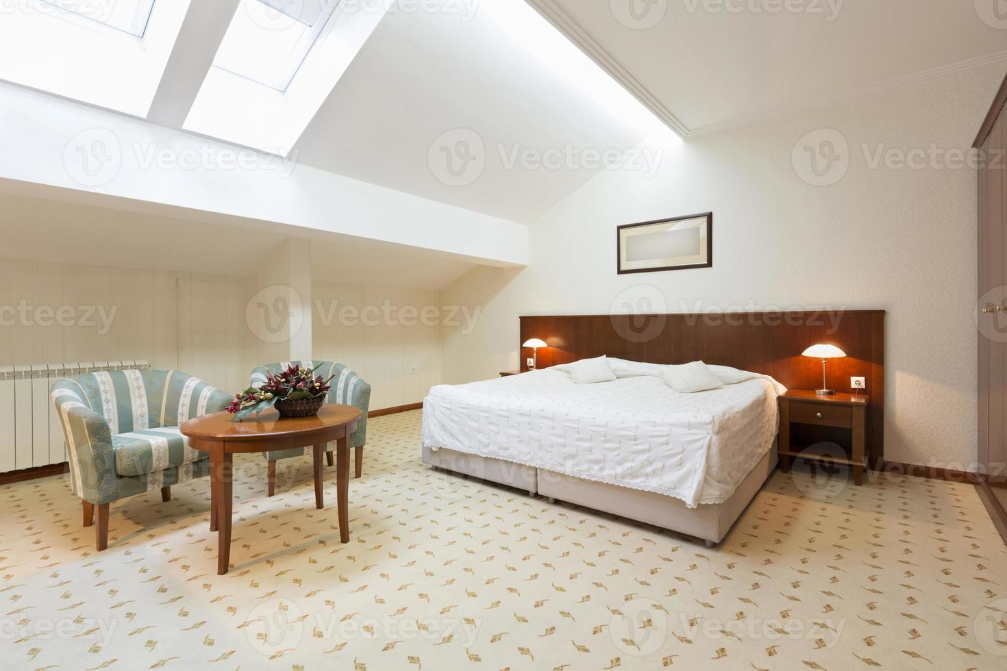 dormitorio interior en loft foto