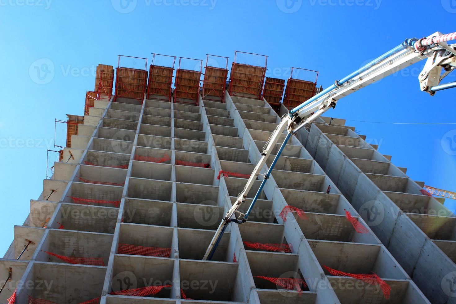 sitio de construcción de hormigón de gran altura foto
