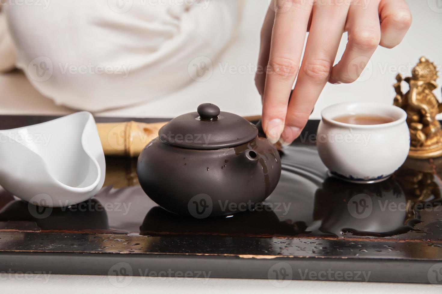 la ceremonia del té china es realizada por el maestro foto