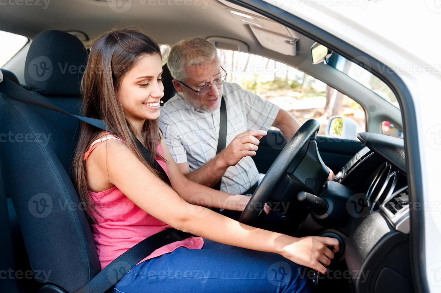aprendiendo a conducir foto
