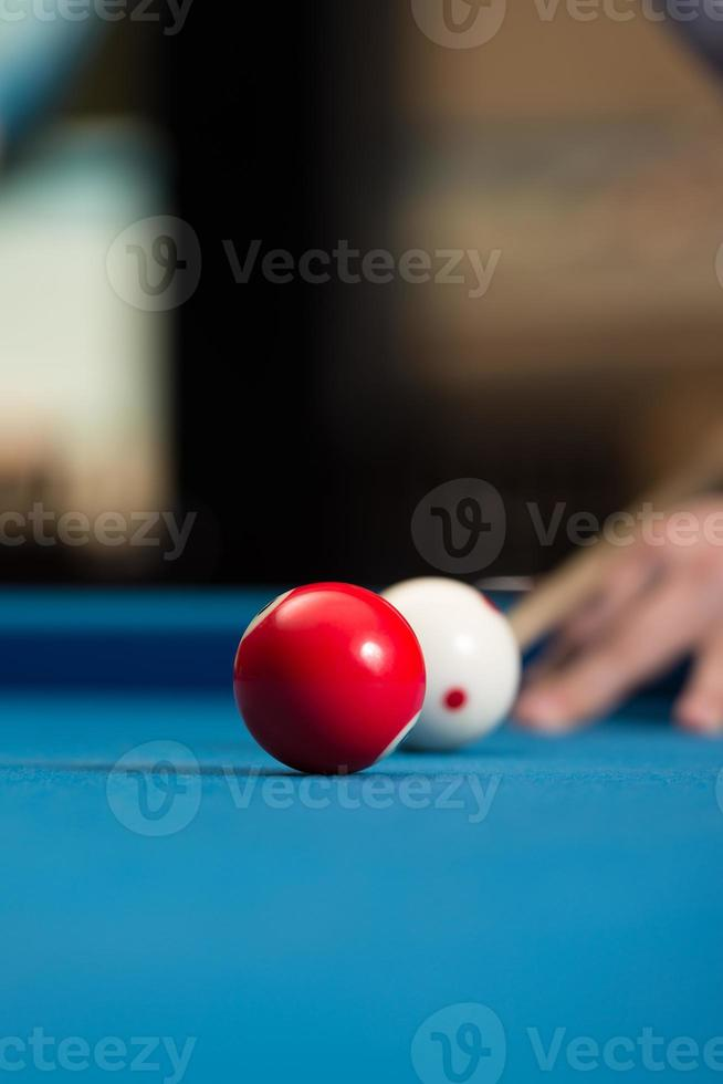 apuntando a disparar la bola foto