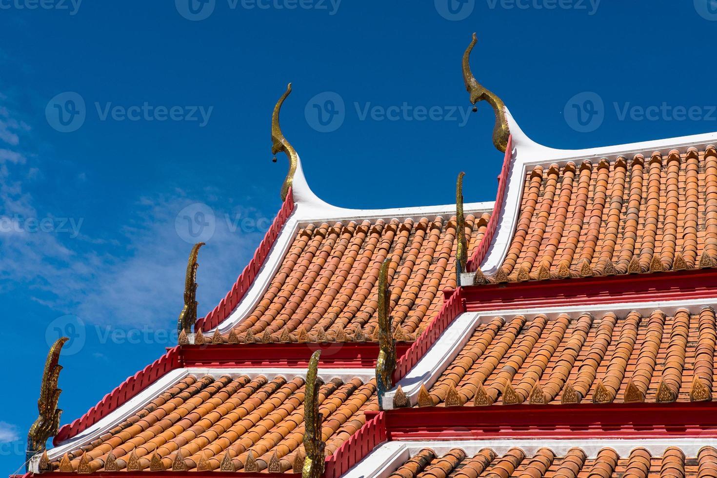 roop del templo en syyle tailandés foto
