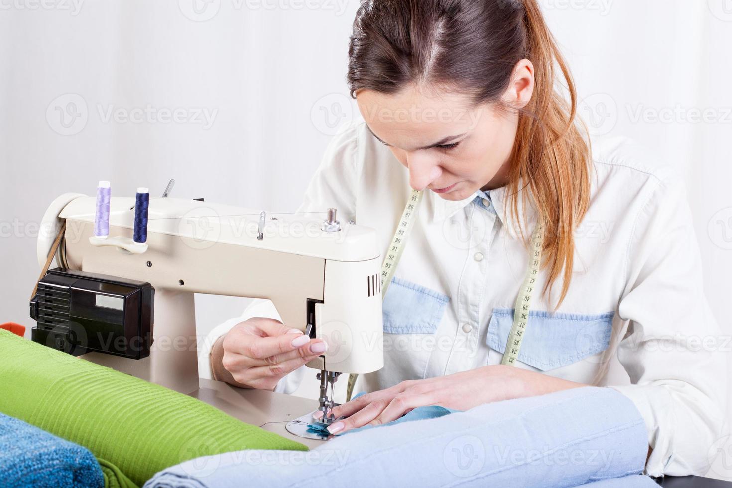 costurera en el trabajo foto