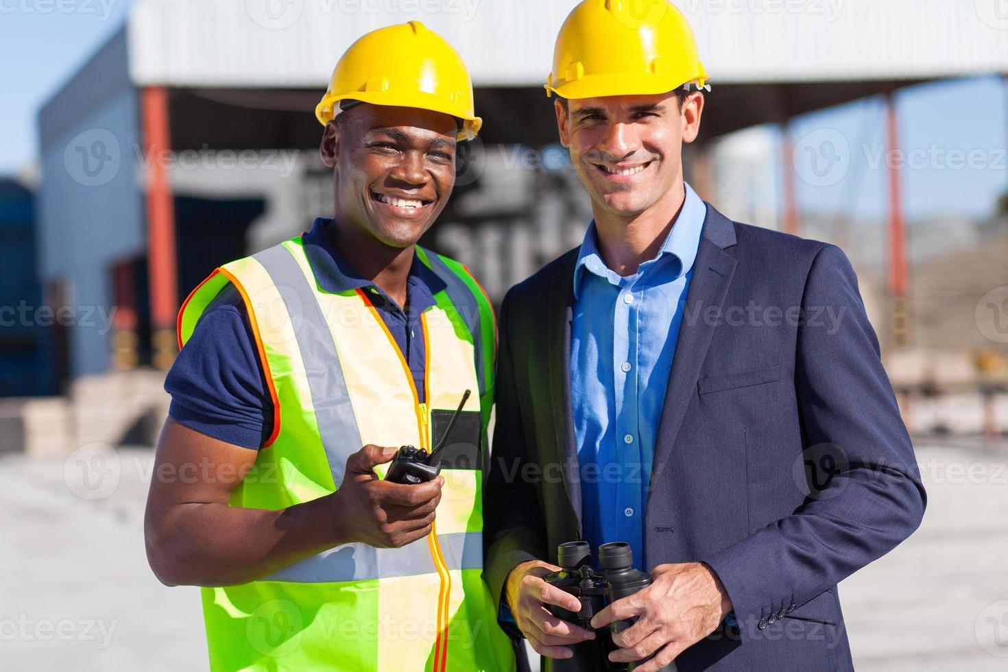 trabajador de la construcción africana y gerente foto