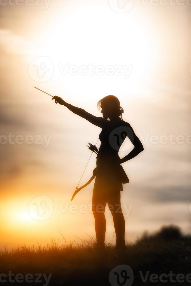 chica con arco foto