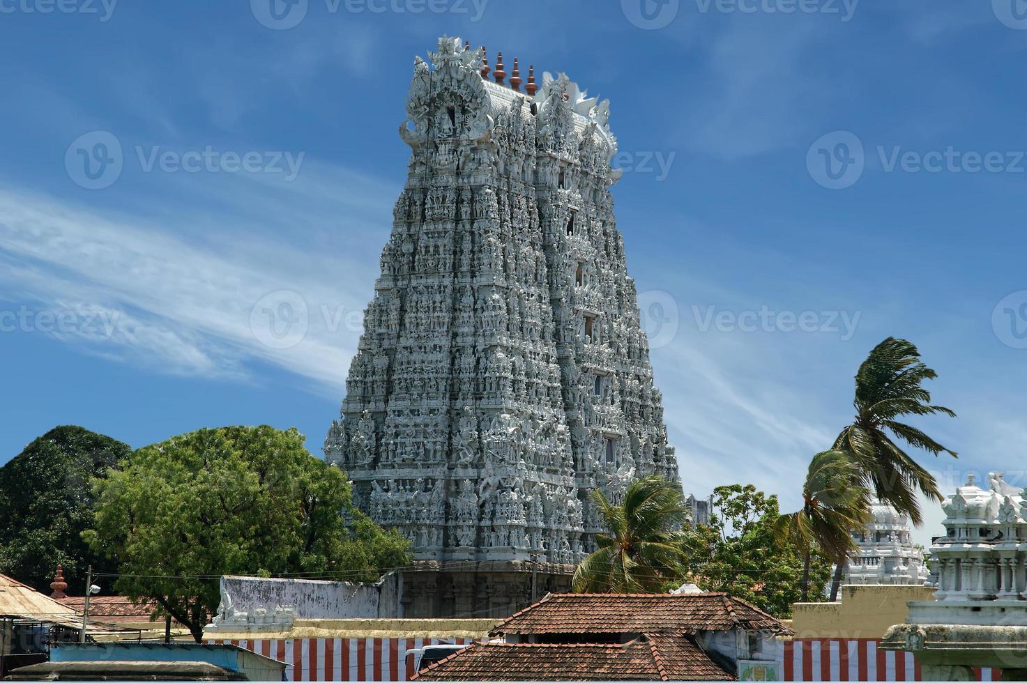 Suchindram temple. Kanniyakumari, Tamil Nadu, South India photo