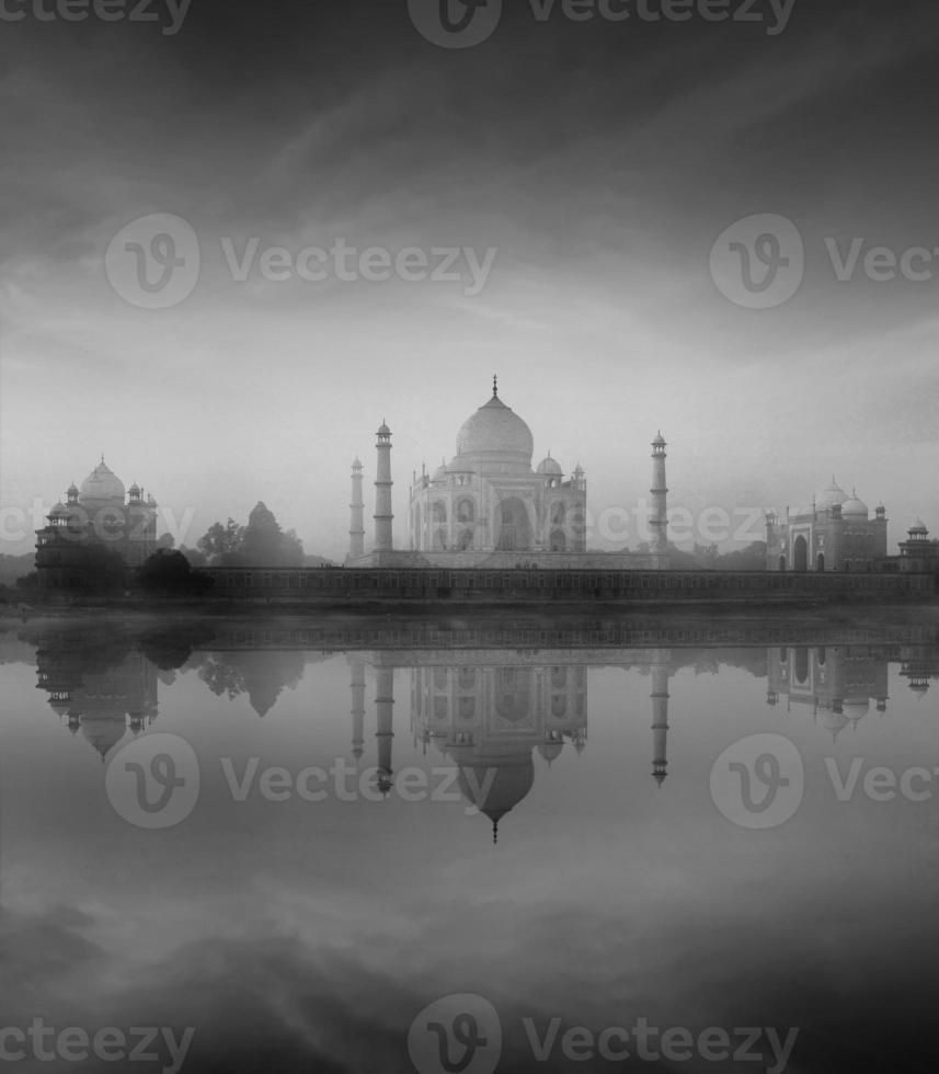 Taj Mahal con reflexión, Agra, India foto