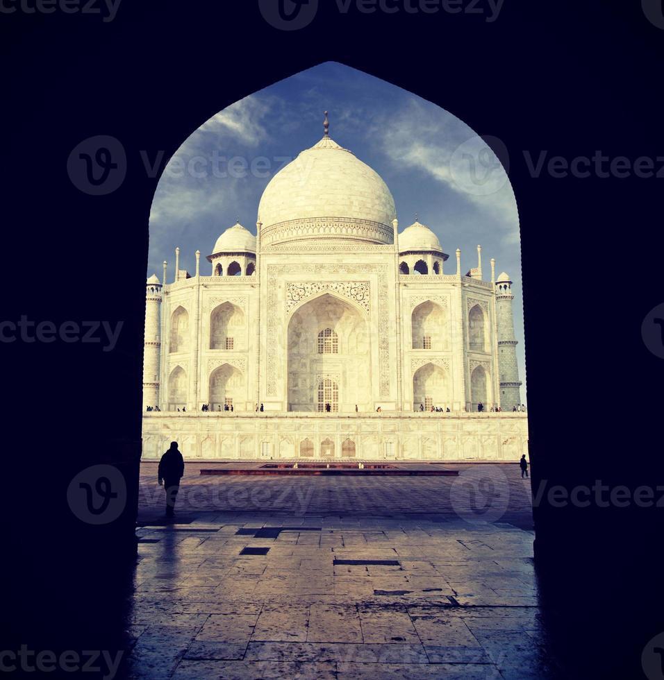 Vintage retro imagen filtrada de Taj Mahal, India. foto