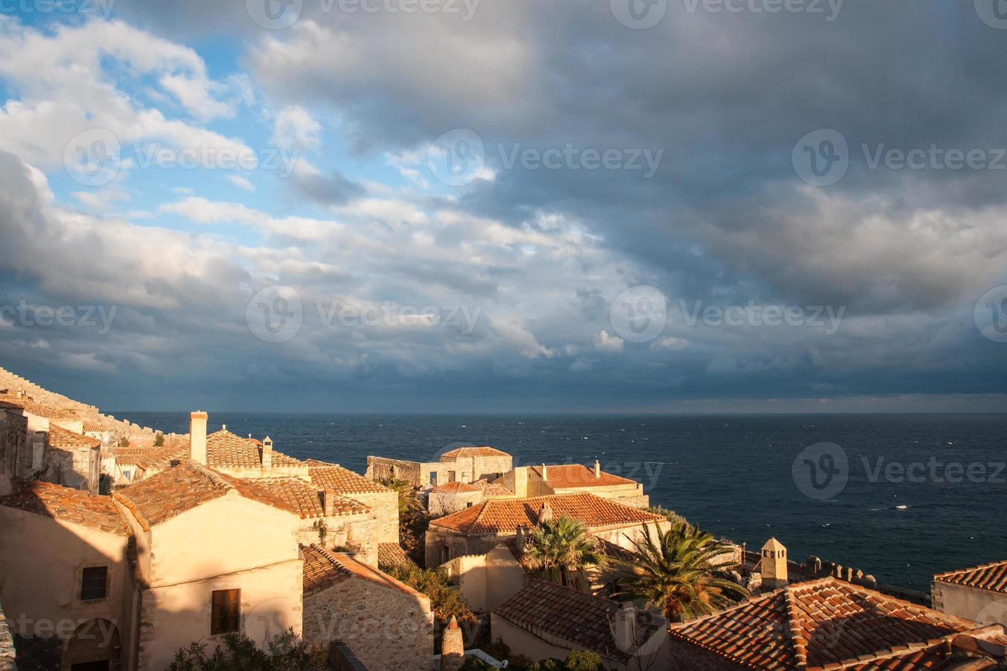 Paisaje urbano en Monemvasia, Peloponeso, Grecia foto