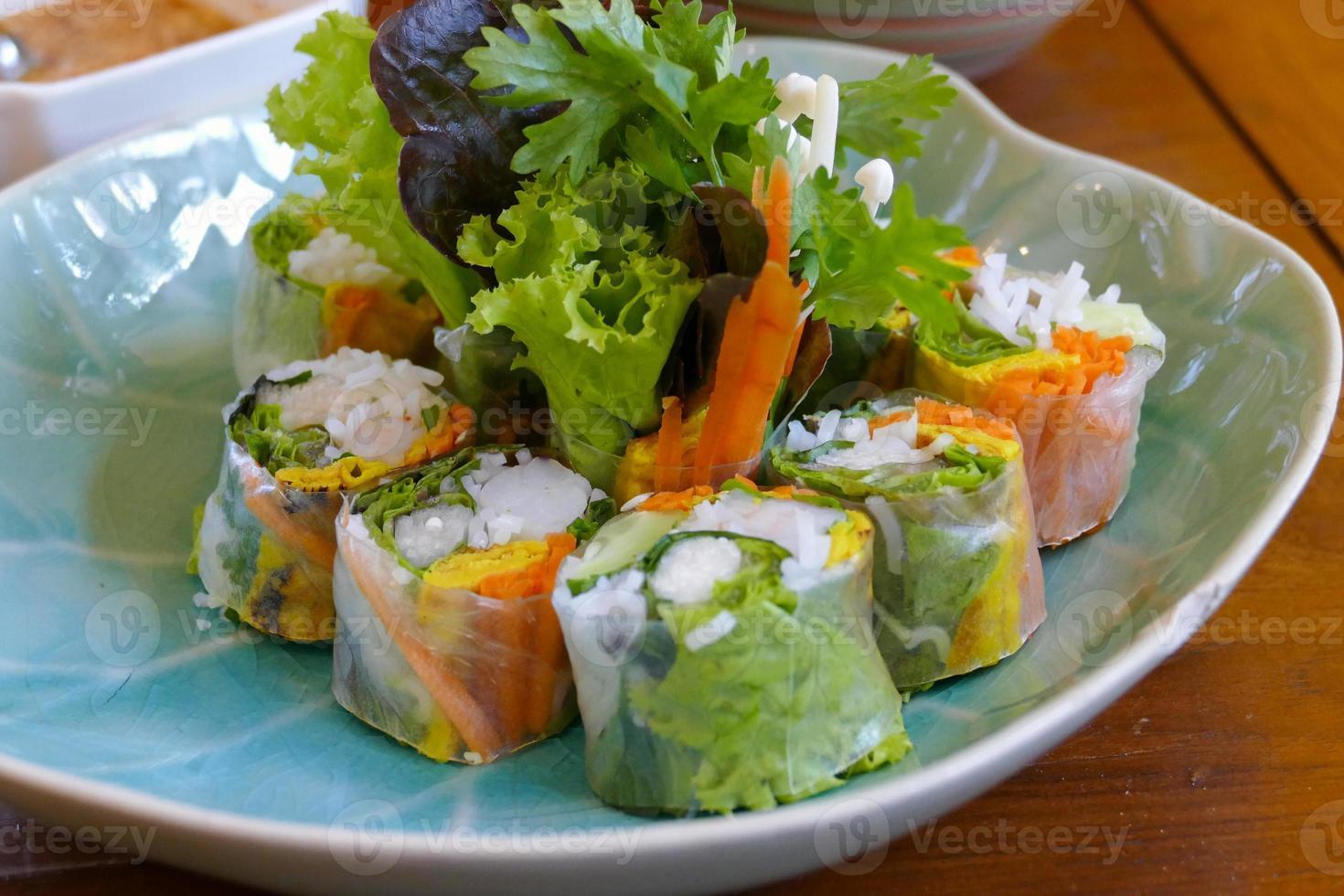 Vietnamese fresh spring roll photo