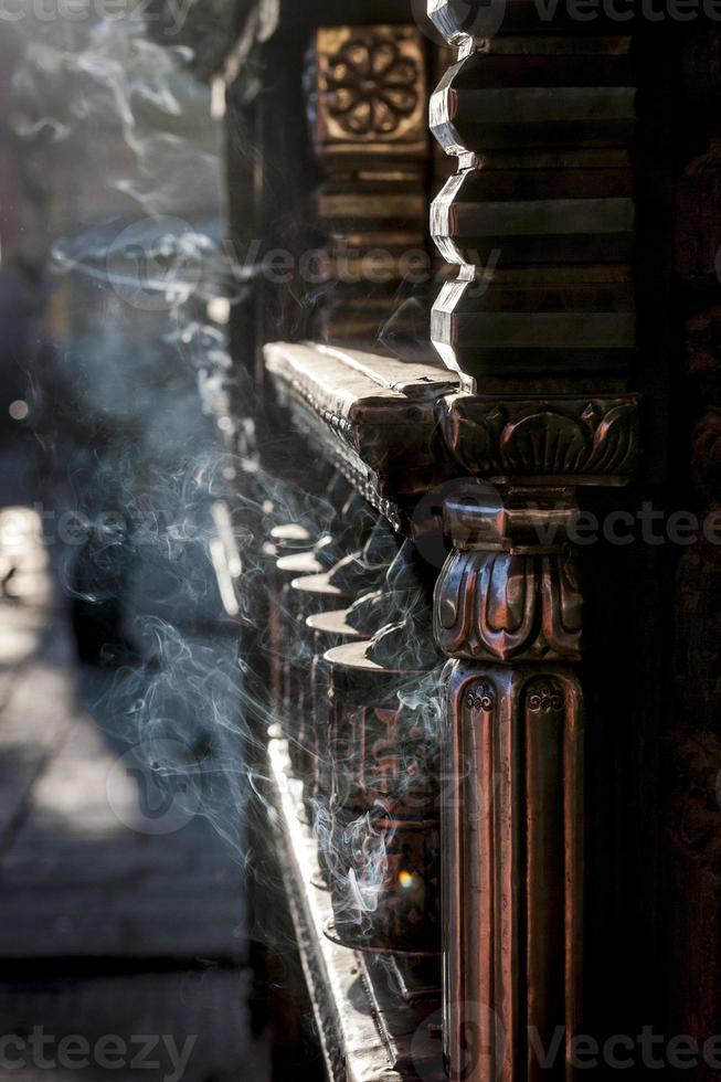 Ruedas de oración en Swayambhunath, Katmandú, Nepal foto