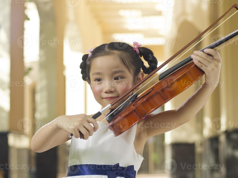 chica violin foto