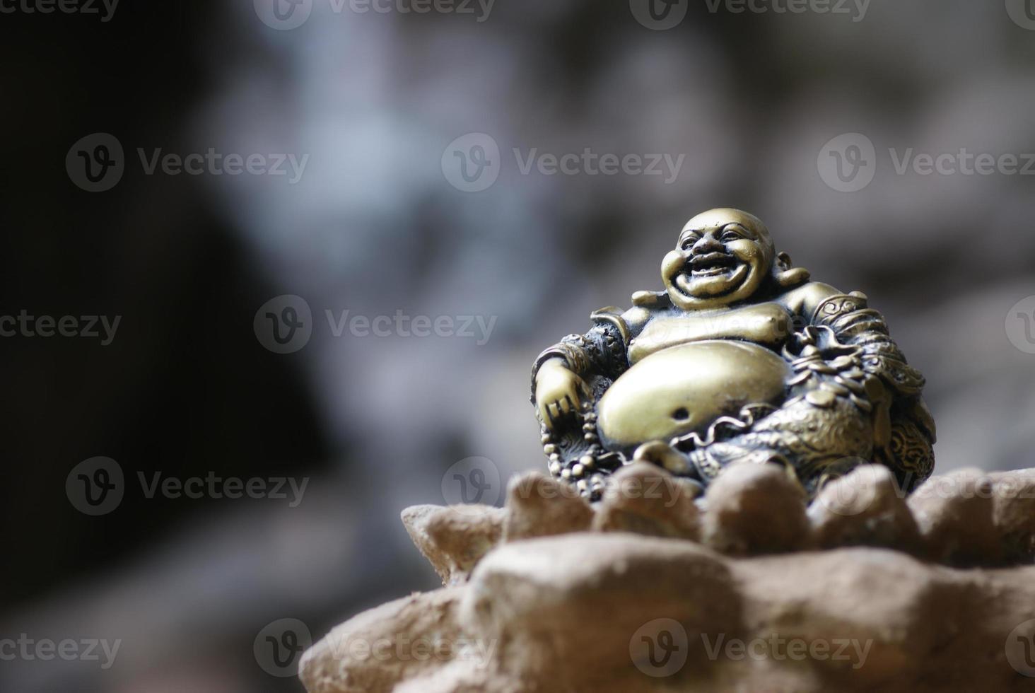 Buda riendo foto