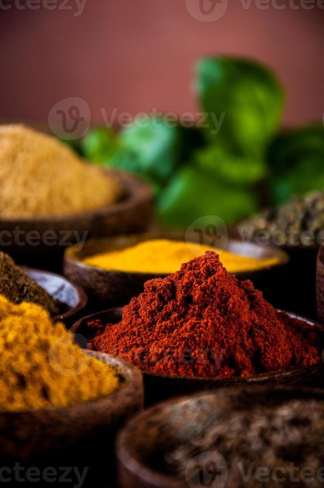 especias coloridas, tema oriental foto