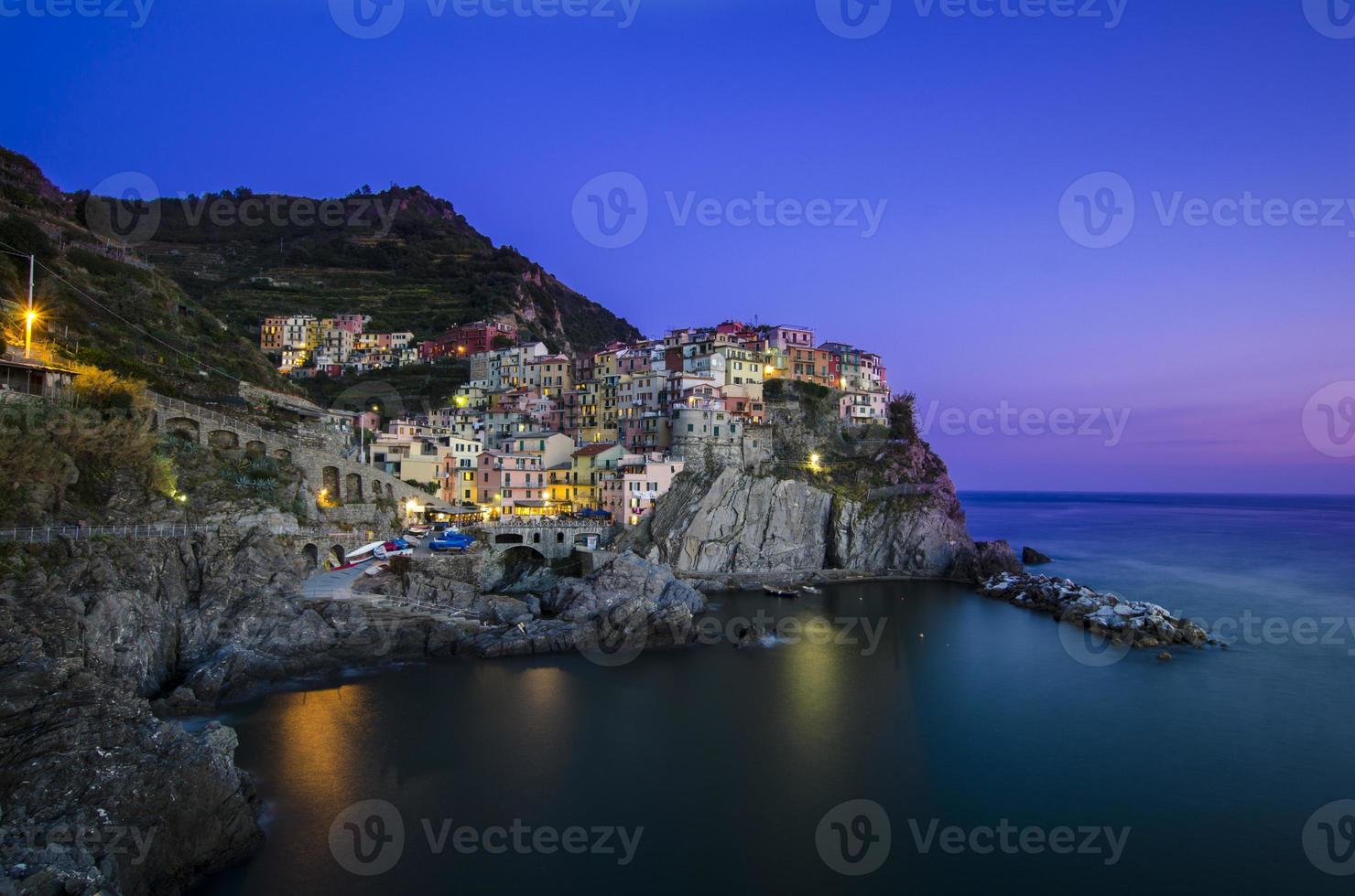 Manarola al atardecer, Cinque Terre, Italia foto