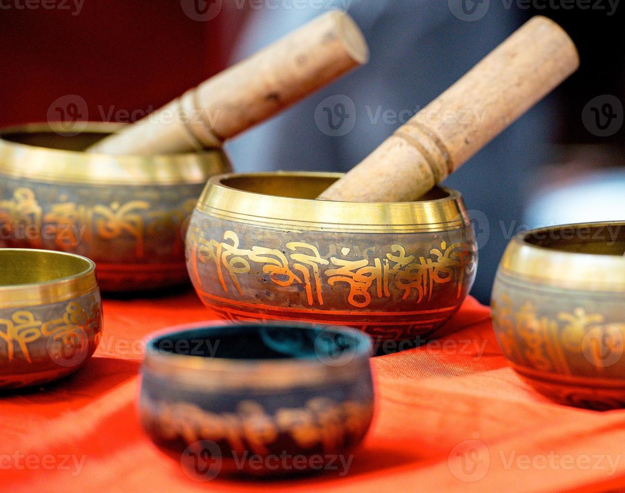 Buddhist singing bowl metall  vases group photo
