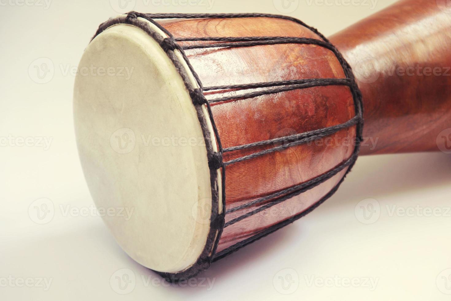 tambor africano em tons foto