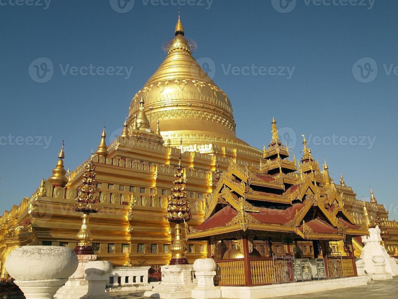 Pagoda Shwezigon, Bagan, Myanmar foto